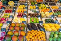 Exotische Früchte auf einem Markt in München