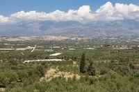 Blick auf die Messara-Ebene im Süden von Kreta, Griechenland
