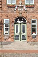 Rokokotür am Rathaus von Lütjenburg