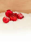 Weihnachten Grußkarte mit Geschenk und Deko