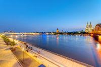 Das Rheinufer in Köln, Deutschland