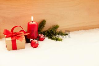 Erster Advent vor Weihnachten mit Kerze
