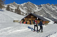 Bergrestaurant Loutze im Winter, Ovronnaz, Wallis, Schweiz