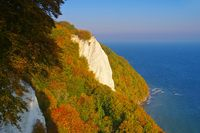 Ruegen Kreidekueste im Herbst Koenigsstuhl - Ruegen island, the chalk cliffs in autumn, the Kings chair seen from Victorias View