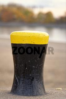 Poller am Rhein