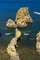 Felsformationen in der Bucht von Lagos, Lagos, Algarve, Portugal
