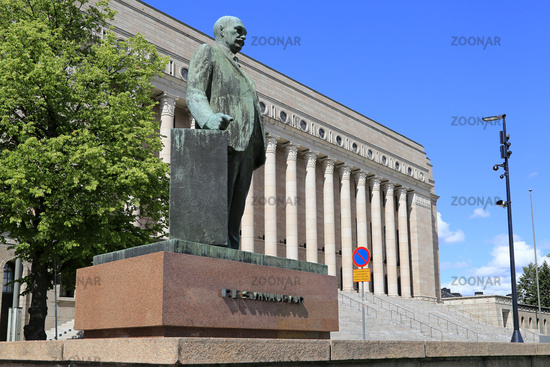 Statue of President Svinhufvud and Parliament House, Finland
