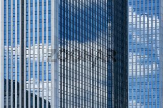 Glas als Fassade vom modernen Hochhaus