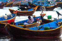 Fisherman mending network