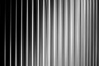 Schwarz weiß grau gestreift