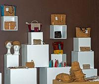 Verkaufausstellung für aus Korkleder gefertigte Produkte der Marke Pelcor