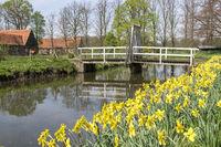 Hofgräfte mit Brücke und Strahlentor, Haus Runde