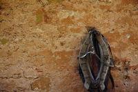 Pferdekummet an der Wand