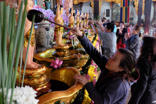 bath Buddha statue