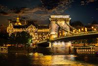 Illumination of Chain Bridge
