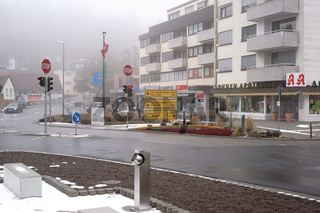Kreuzung in Taunusstein im Nebel