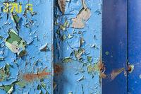 Metall mit abgeblätterter Farbe als Hintergrund