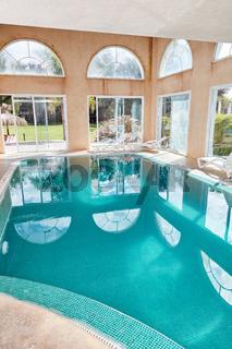 Swimmingpool im Spa Luxus Hotel