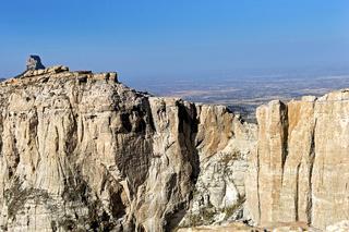 Steile Sandsteinfelsen der Gheralta Berkette, Tigray, Äthiopien
