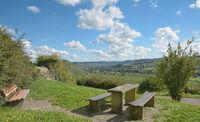 Rastplatz an der Mittelmosel mit Blick auf Brauneberg,Rheinland-Pfalz,Deutschland