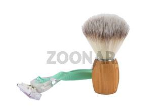 Damenrasierer und Rasierpinsel auf weißem Hintergrund - Shaver and shaving brush on white background