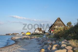 Naturschutzgebiet Graswarder mit Strandvillen in Heiligenhafen