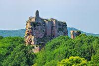 die Burgruine Fleckenstein im Elsass in Frankreich - the castle ruin Fleckenstein in Alsace in France
