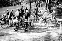 Gruppe der Aktion Sühnezeichen auf der Pilgerfahrt zum ehemaligen KZ Sachsenhausen, August 1964