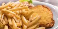 Milanese schnitzel with fries