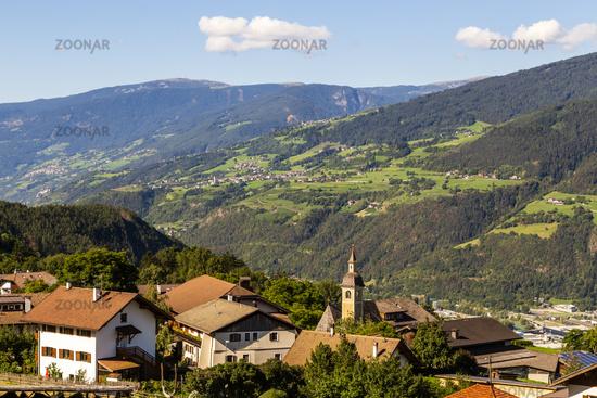 Dorf in Südtirol, Italien, village in south tyrol, italy