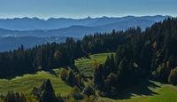 Blick vom Pfänder zu den Bergen im Bregenzerwald