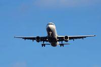 Verkehrsflugzeug landet