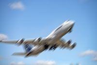 Boeing 747 von Lufthansa mit Bewegungsunschärfe