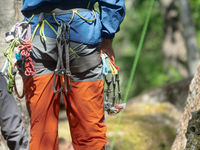 Climber partner insures.
