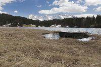 Der Geroldsee (Wagenbrüchsee) bei Mittenwald im Frühjahr