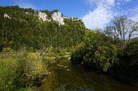 Naturpark Obere Donau bei Beuron-Hausen, Blick zum Schloss Werenwag