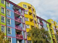Bunte plattenbauten in berlin westend, germany