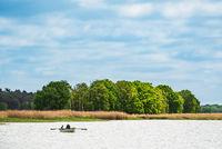 Ruderboot auf dem Bodden auf dem Fischland-Darß in Born