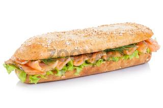 Brötchen Sandwich Vollkorn Baguette belegt mit Lachs Fisch freigestellt Freisteller