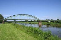 Minden - Eisenbahnbrücke über die Weser, Deutschland