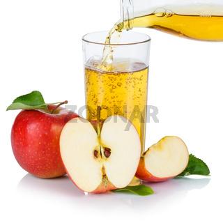 Apfelsaft einschenken eingießen eingiessen Apfel Saft Äpfel Quadrat Fruchtsaft freigestellt Freisteller