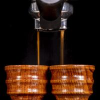 Coffee wooden cups machine