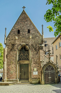 Ulm, Valentinskapelle am Münsterplatz