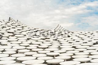 Das wellenförmige Dach der Elbphilharmonie in Hamburg