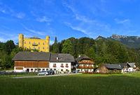 Schloss Hüttenstein und Bauernhof Schlossmayrhof, Winkl, St. Gilgen, Salzkammergut, Österreich