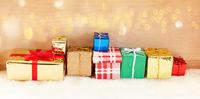 Weihnachten Header Banner mit Geschenken