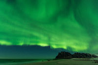 Lofoten Norwegen Utakleiv Polarlicht im Winter