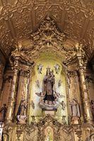 Altar inside of the Carmelitas church, Porto