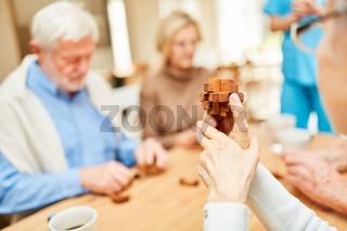 Geduldspiel aus Holz Bausteinen für Senioren