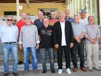 EC-Sieger 1974 1.FC Magdeburg Spieler beim Pferderenntag auf der Galopprennbahn in Magdeburg